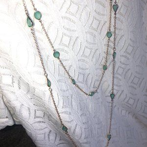 GOLD TONE GREEN JEWEL NECKLACE SET